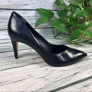 Ted Baker classic black leather pumps Sz 40.5